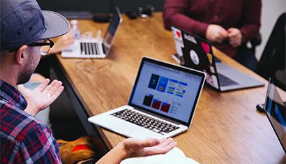 简谈企业进行网站开发的四大重要优势